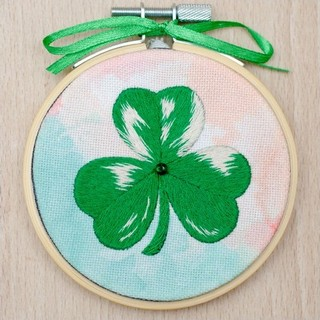 Kit with seed beads and muline DMC ''Clover""